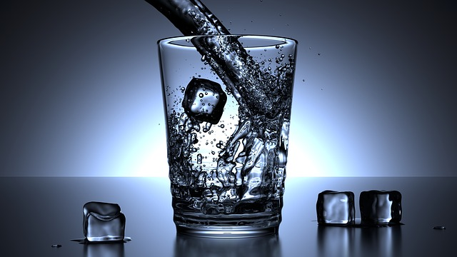 glass of water for kidney stones